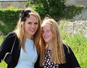 Louise and her daughter Jenny, who has Type 1 diabetes