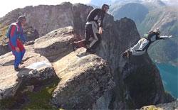 BASE-jump-Norway-250.jpg