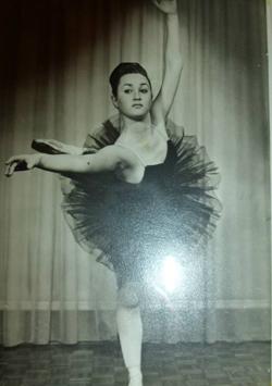 Janice-ballet-16-years-old-250x325.jpg