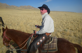 roly-on-horse-curt.jpg