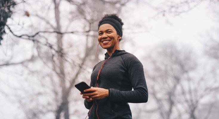 Woman running i