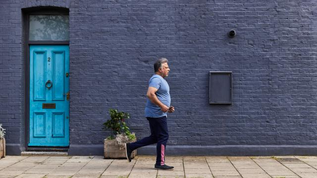 A man running as he takes on a Diabetes UK challenge