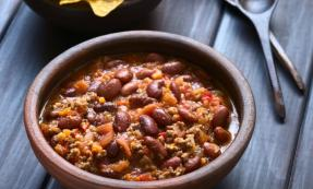 Slow-cooked bean chilli