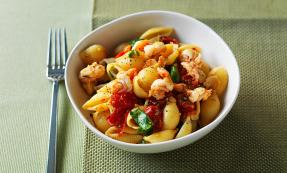 Conchiglie with roasted tomato and tiger prawn