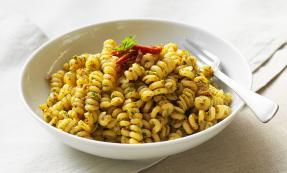 Eliche pasta with sun-dried tomato dressing