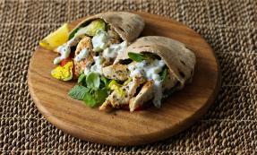 Greek-style chicken pittas
