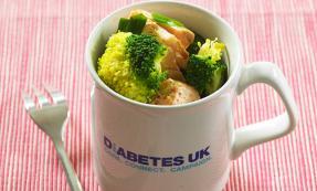 Microwave mug: Sesame salmon and broccoli