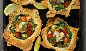 Salmon and spinach filo tarts