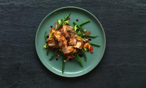Sesame crusted salmon and green bean salad