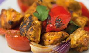 Tandoori chicken and vegetables