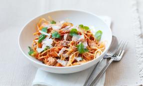 Tomato and tuna pasta
