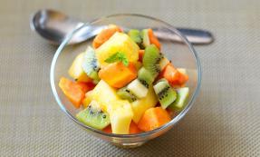 Warm exotic fruit salad